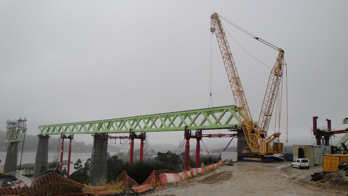 EUROGRUAS concluded his participation in the construction of the bridge over River Ulla